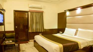 hotels for unmarried couples in delhi ncr