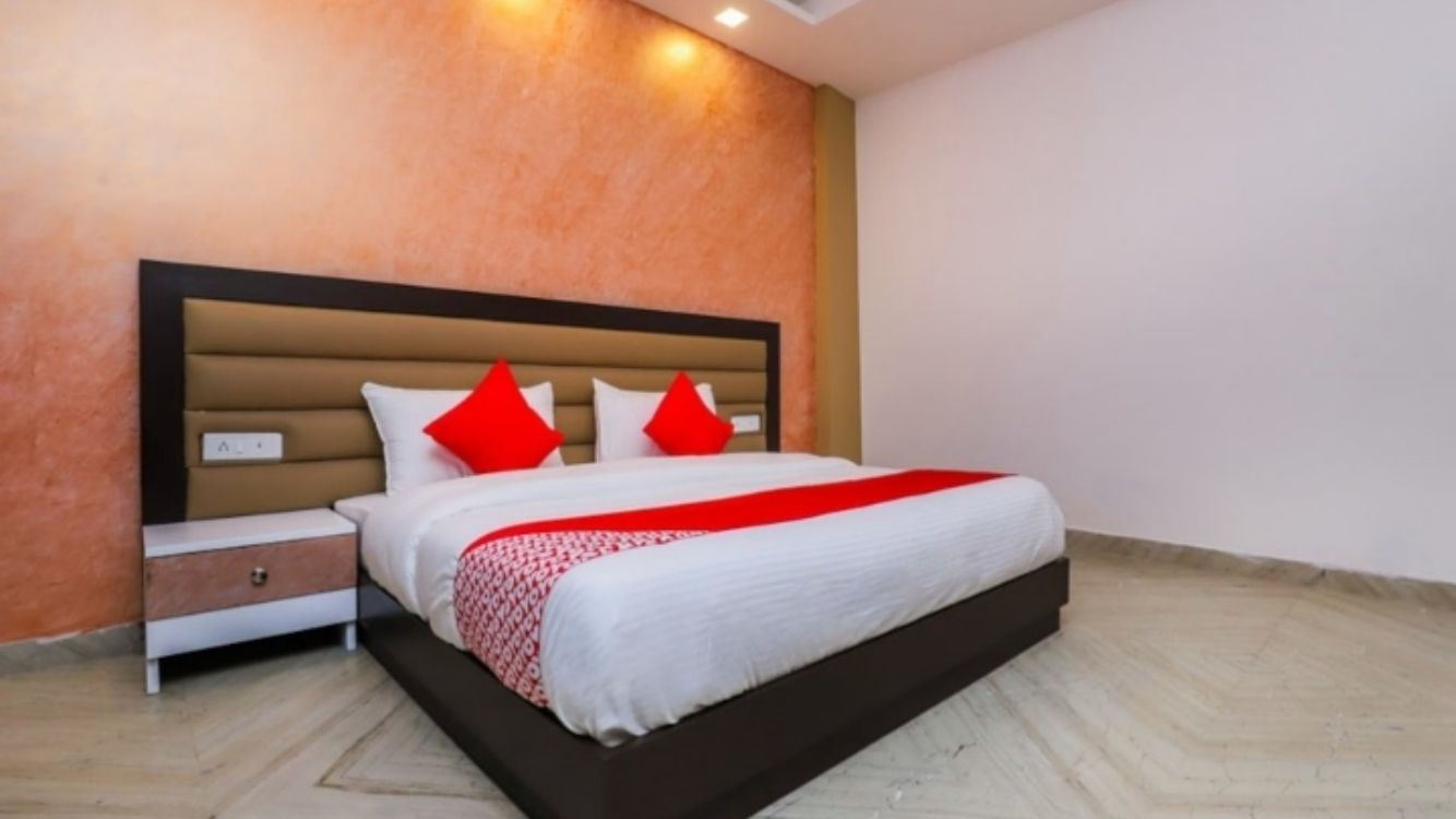 Book Romantic Couple Friendly Hotels In Delhi Stayuncle
